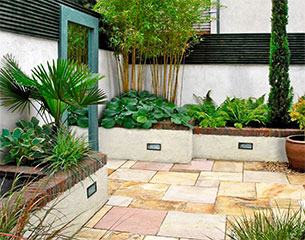 Plan eden small shady courtyard garden design with water for Small shady courtyard ideas
